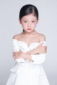 童星莫梓萱